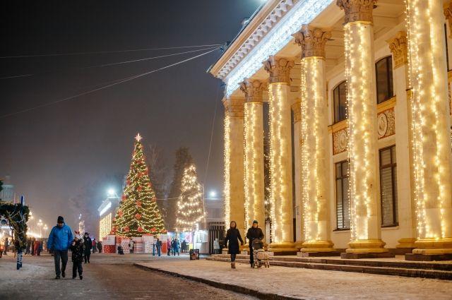 В Киеве на ВДНХ под открытым небом устроят новогоднюю вечеринку: детали.