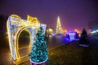На главной площади Черкесска -  новогоднее настроение