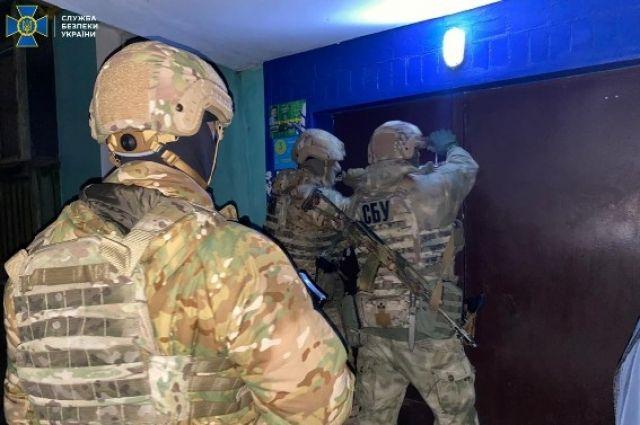 СБУ задержала лидеров преступной группировки, причастной к похищению людей.