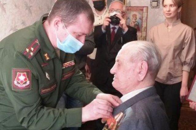 Ветерана из Боровского наградили медалью «За отвагу»