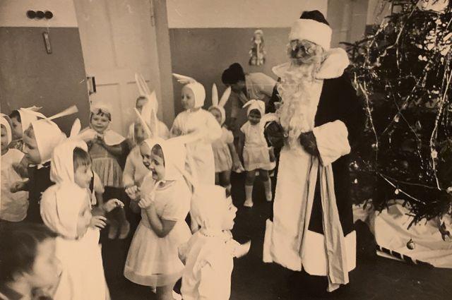 Главных новогодних волшебников в советских детских садах играли сами воспитатели.