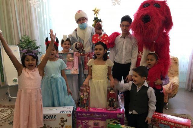 «АиФ на Енисее» исполнил новогодние мечты воспитанников Сосновоборского детского дома