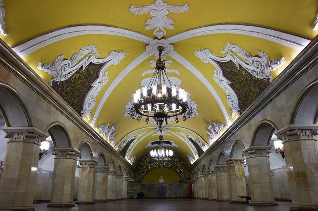 Станция «Комсомольская» Московского метрополитена.
