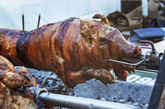 На праздничных выходных Маркет местной еды на площади Ленина накормит оренбуржцев бесплатно.