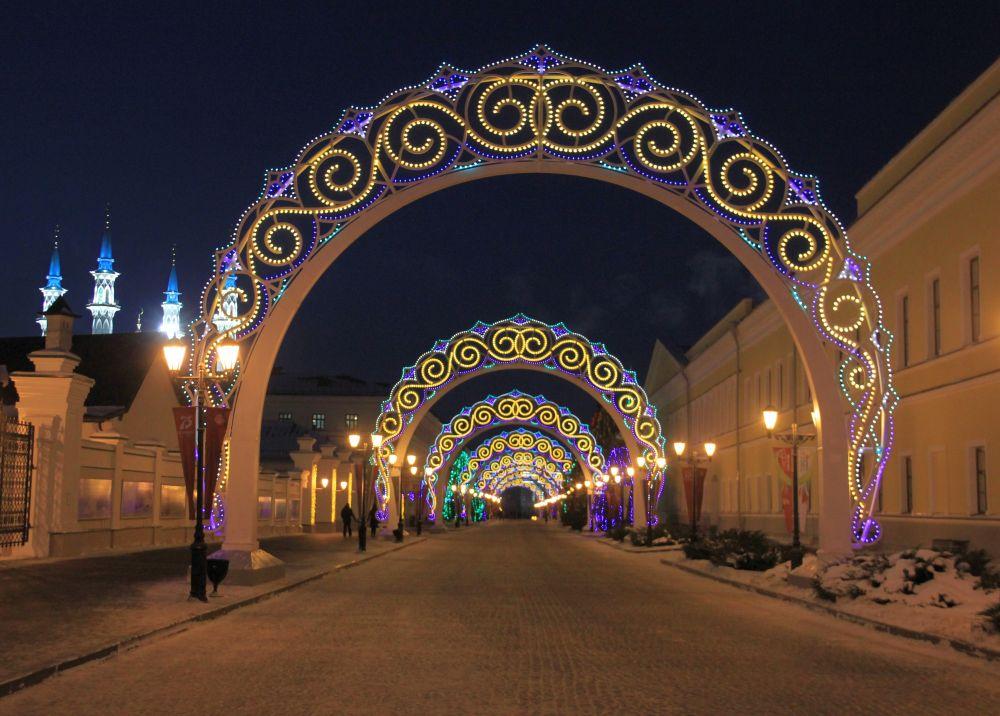 Особенно удачные фотографии получаются в цветных арках.