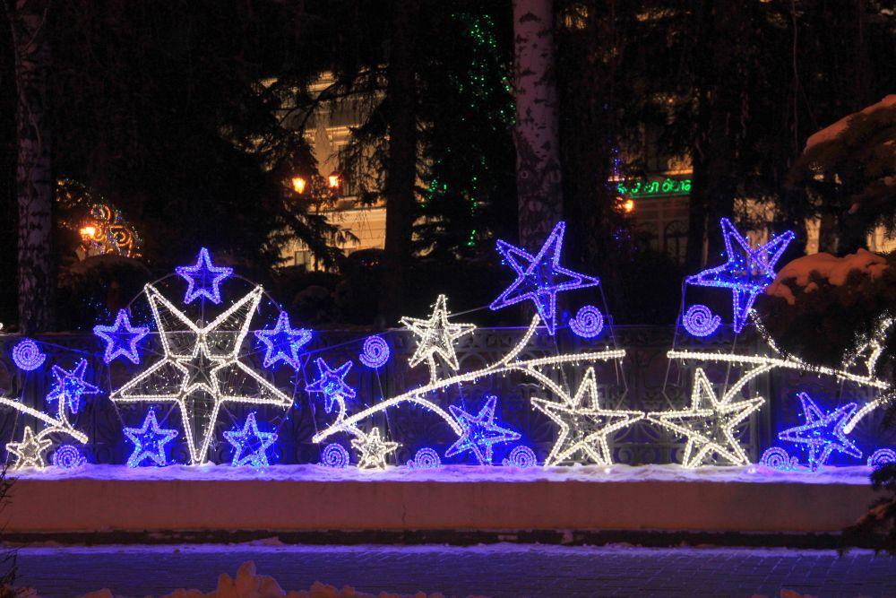 Все туристические места Казани украсили огнями.