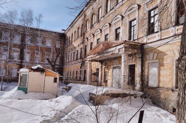 Актр Иван Охлобыстин поздравил оренбуржев с Новым годом и пожелал им сохранить летное училище.