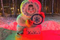 Теперь снеговики украшают Аллею в парке Бориса Лосева окружного центра