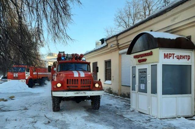 Возгорание в частном диагностическом центре произошло в 7 часов утра