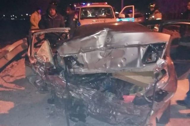 От удара обе машины сплющило всмятку