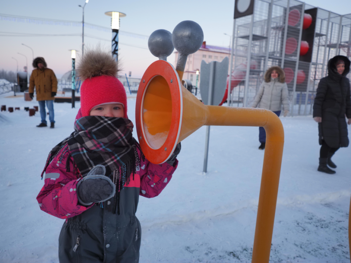 Не пустует зимой и детская площадка «ОстровОК» на улице Дзержинского.
