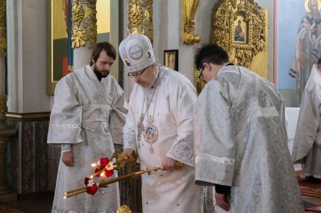Рождественское богослужение провел митрополит.