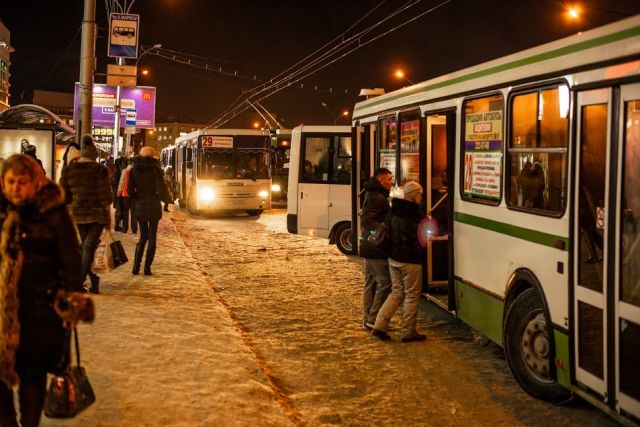 Глобальный сбой произошел в системе навигации общественного транспорта Новосибирска сегодня, 7 января.