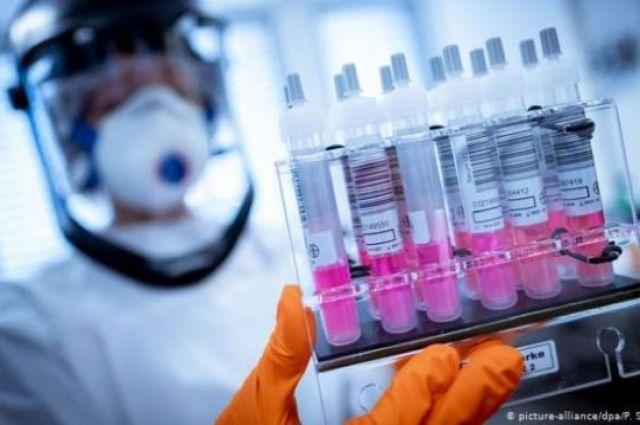 Вакцина Pfizer оказалась эффективной против нового штамма COVID-19