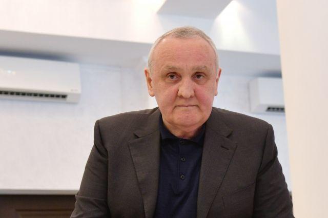 Премьера Абхазии, заболевшего коронавирусом, направили на лечение в Москву