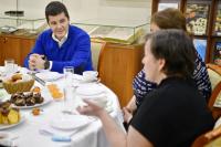 Глава ЯНАО провел встречу с родителями особенных детей