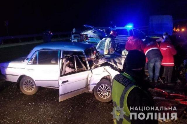 Во Львовской области столкнулись два автомобиля: один человек погиб