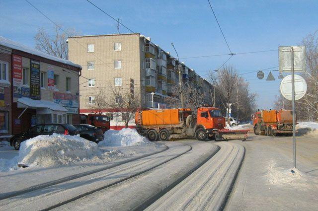С красноярских дорог убрали 35 тыс. 698 кубометров снега.