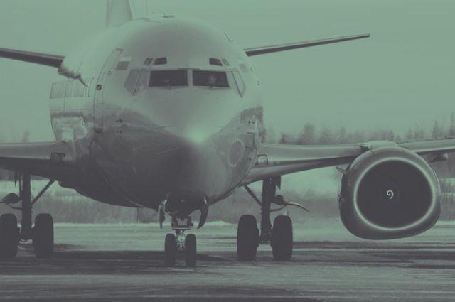 Вылет борта из Оренбурга в Петербург задержали на 10 часов из-за ледяного дождя.