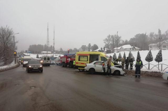 В Туле пять человек пострадали в ДТП с участием кареты скорой помощи