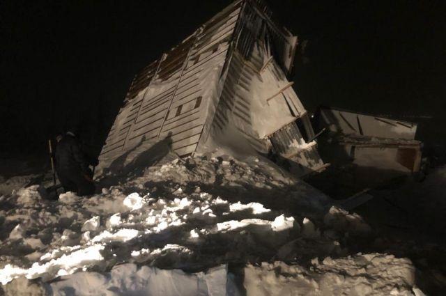 Домики, засыпанные снежной лавиной в Норильске были возведены самовольно.