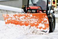 Прокуратура Дзержинского района провела контрольную проверку качества уборки снега.