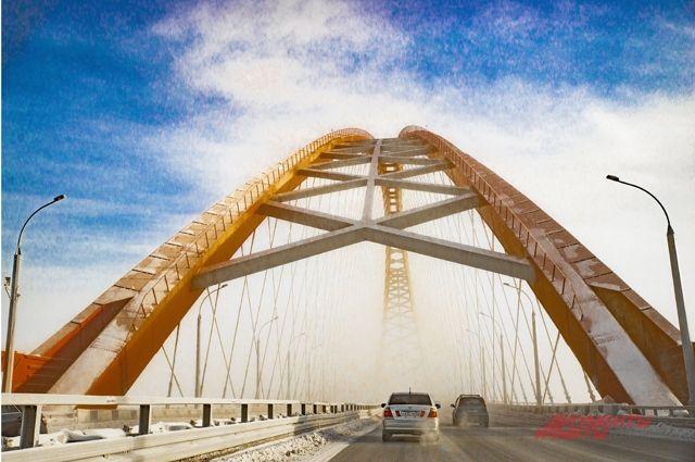 По словам гостя, ездить по Бугринскому мосту невозможно из-за плохого состояния дороги.