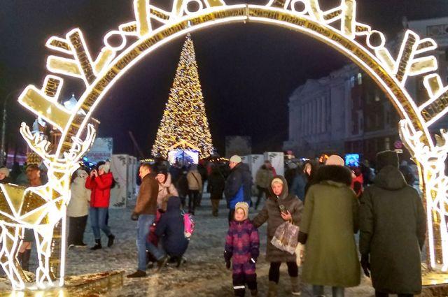 Нижегородцам нравится новогодний центр города. Понравится ли гостям?