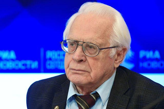 Михаил Маров.