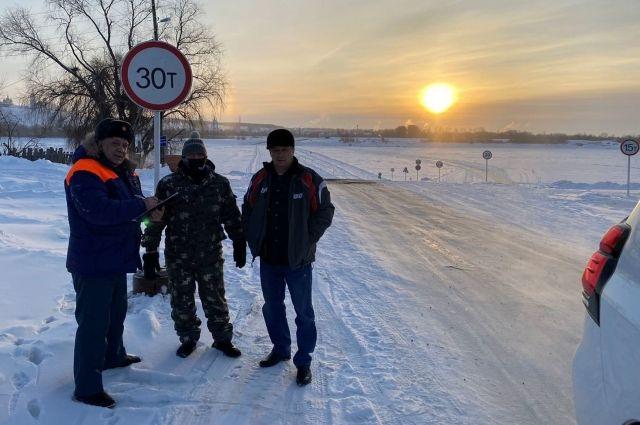 На переправе Тобольск – Бекерево разрешили проезд техники до 30 тонн