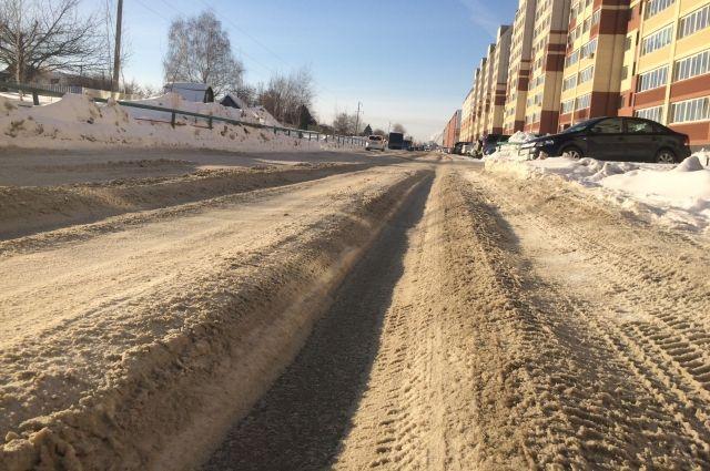 Из-за плохой чистки дорог количество ДТП выросло на треть.