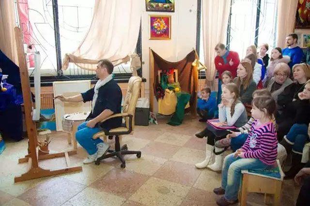 В школе живописи Выстропова - ученики от пяти до семидесяти лет.