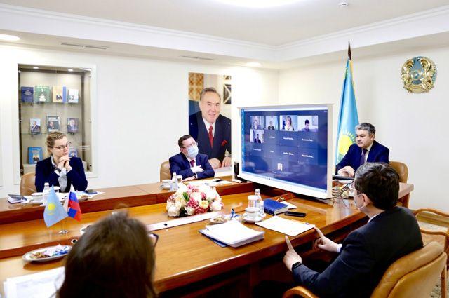 Под знаком стабильности. Эксперты оценили парламентские выборы в Казахстане