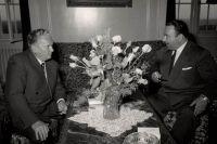 Президент Социалистической Федеративной Республики Югославия Иосип Броз Тито принимает посла Коста-Рики Т. Кастро (И. Григулевич), 1953 г.
