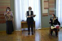 Свой 95-летний юбилей Диана Смирнова в прошлом году отметила выставкой в областном художественном музее имени И.П. Пожалостина.