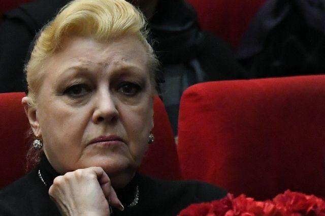 Дрожжина подала иск к дочери Баталова о расторжении договора ренты