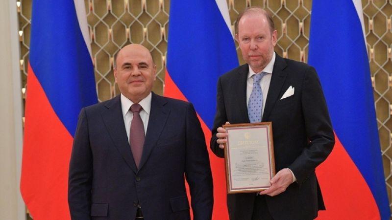 С генеральным директором издательского дома «Лев» Львом Елиным.