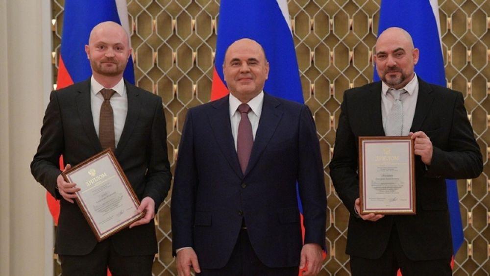 Со спецкорами издательского дома «Комсомольская правда» Александром Коцем и Дмитрием Стешиным.