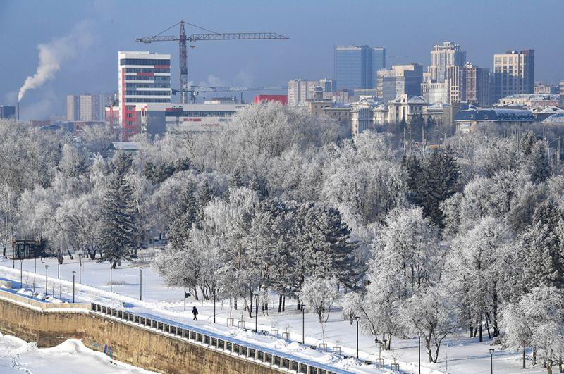 Михайловская набережная реки Обь в Новосибирске.