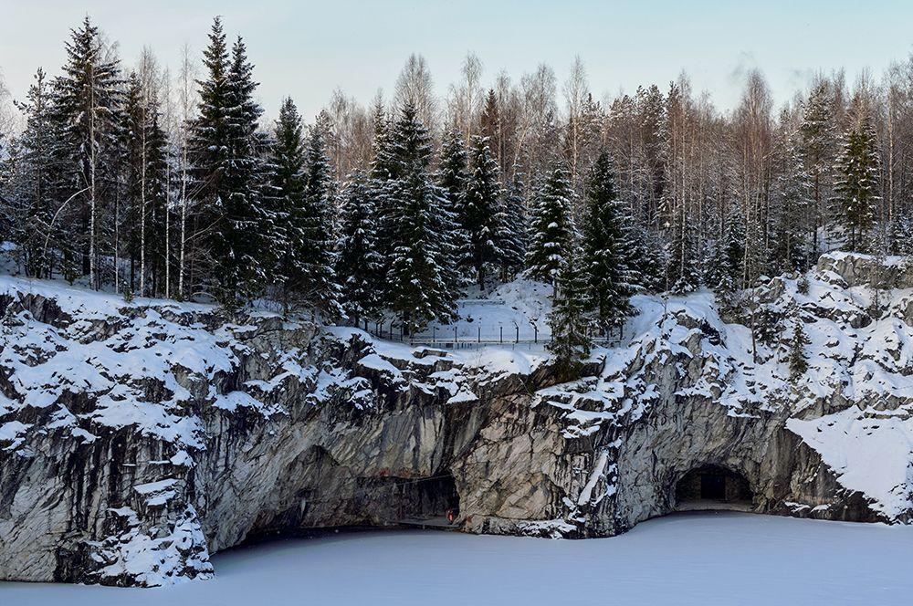 Горный парк «Рускеала» в Карелии.