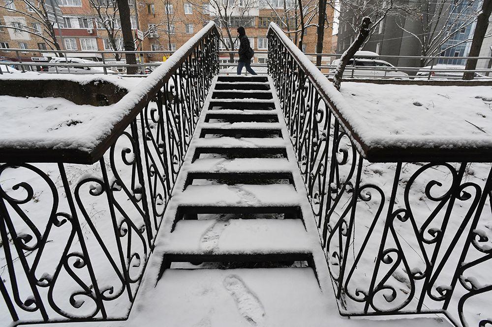 Во Владивостоке во время снегопада.