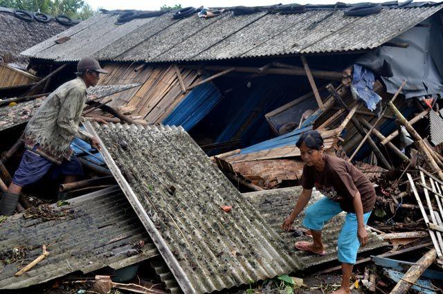 Жертвами землетрясения в Индонезии стали 26 человек