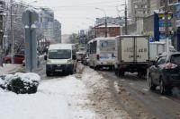 На заторы на дорогах жалуются многие жители Краснодара.