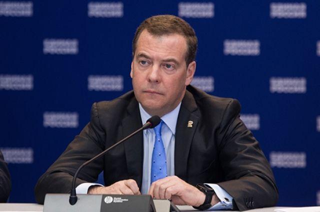 Медведев принес соболезнования в связи со смертью Грачевского