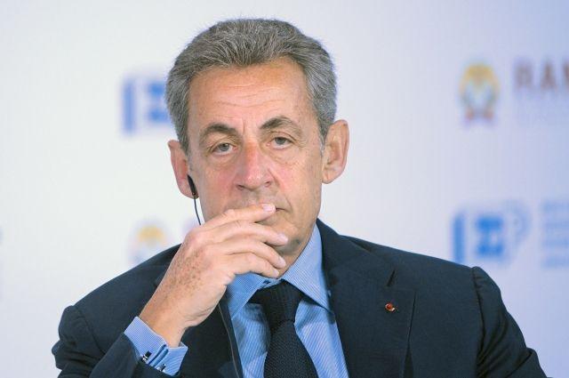 Во Франции расследуют консультативную деятельность Саркози