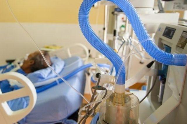ТАСС: число умерших из-за коронавируса в мире превысило 2 млн