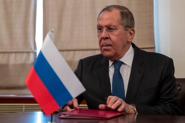 Главы МИД РФ и Азербайджана обсудили вопросы по Карабаху