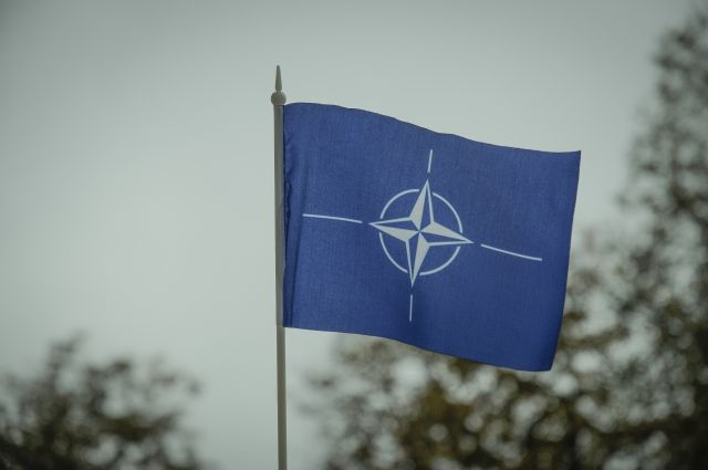 В НАТО прокомментировали решение РФ выйти из Договора по открытому небу