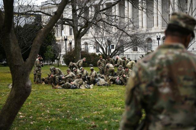 В Вашингтон перебросят 25 тысяч бойцов Нацгвардии для инаугурации Байдена