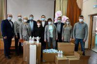 Депутат Игнатов подарил школе рециркуляторы.